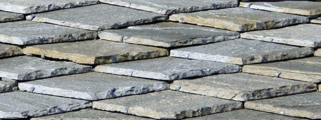 Tetto in pietra - Piastrelle di ardesia ...
