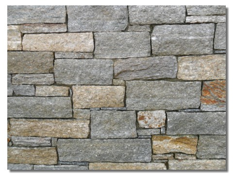Lose per tetto in pietra di casa di montagna - Pietre per interno casa ...