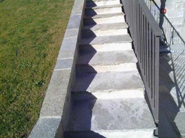Scala da giardino in pietra di luserna - Scala da giardino ...